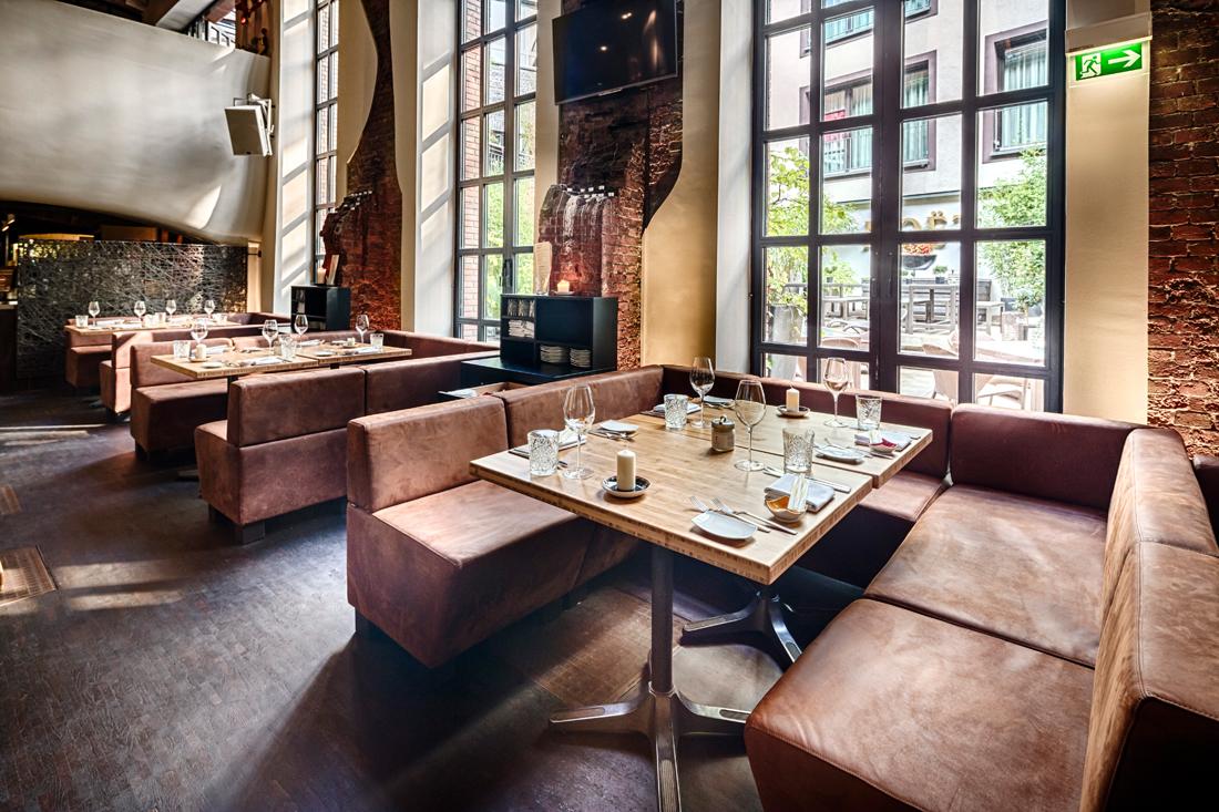 eastzweipunktnull east restaurant in neuem look feel. Black Bedroom Furniture Sets. Home Design Ideas