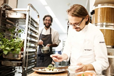 east_küche_Zubereitung_TellWagner